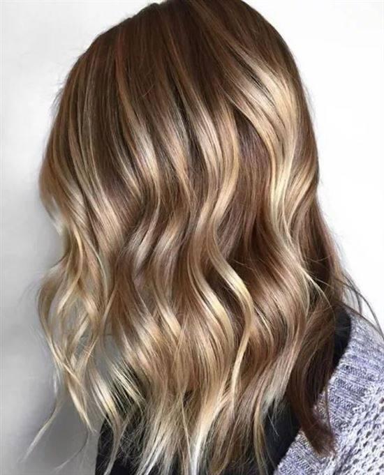 переход окраска волос тонирование и мелирование фото этом случае полке