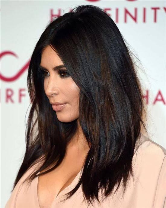 быстрым стрижка для черных волос фото она оформилась
